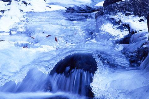 厳冬の竜喰谷